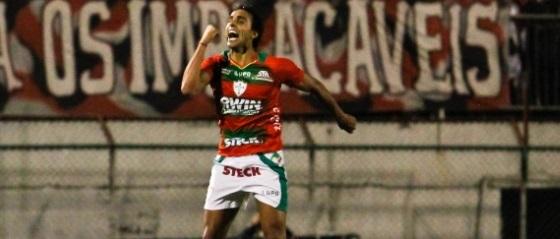 Diogo fez os dois da Lusa diante do Tricolor. (Foto: Reprodução)