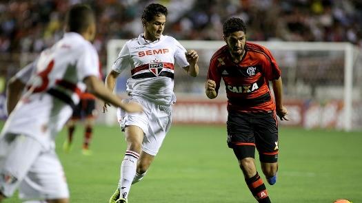 Ganso seguiu rotina de boas atuações e deu assistência para gol. (Foto: Gazeta Press)