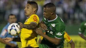 Guerreiro balançou a rede mais uma vez e deu a vitória ao Corinthians. (Foto: Gazeta Press)