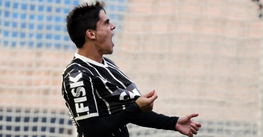Fagner fez seu primeiro gol com a camisa do Corinthians. (Foto: Moises Nascimento/AGIF)