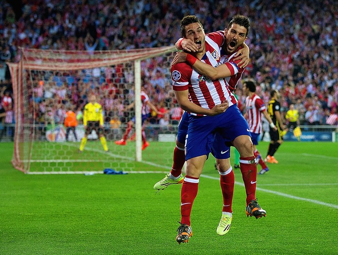 Koke comemora o gol com Villa. ( Foto: EFE)
