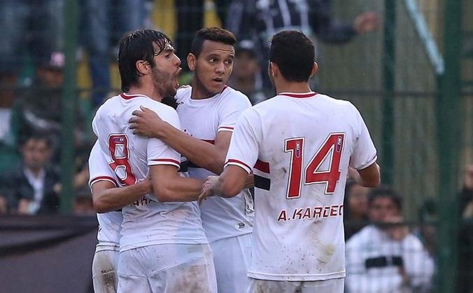 Jogadores do São Paulo comemoram gol de empate. (Foto: Rubens Chiri SPFC).