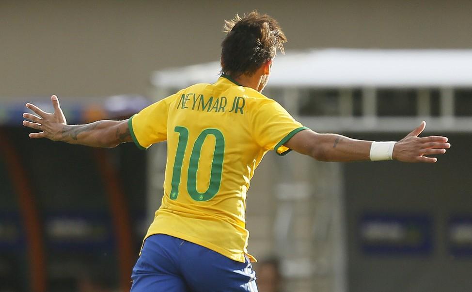 Neymar comemora golaço de falta que abriu o placar contra o Panamá. (Foto: Rafael Ribeiro /CBF)
