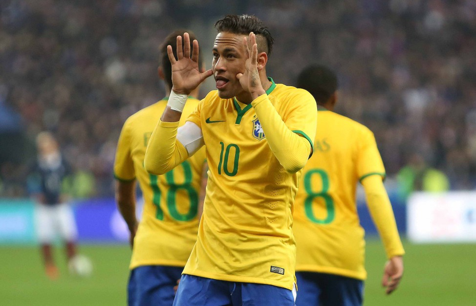Neymar comemora o gol da virada fazendo careta. (Foto: Getty Images)