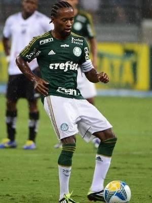Zé Roberto foi um dos titulares em campo. (Foto: Gazeta Press)