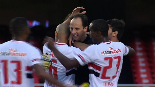 Rogério Ceni abriu o marcador com belo gol de falta. (Foto: Reprodução)