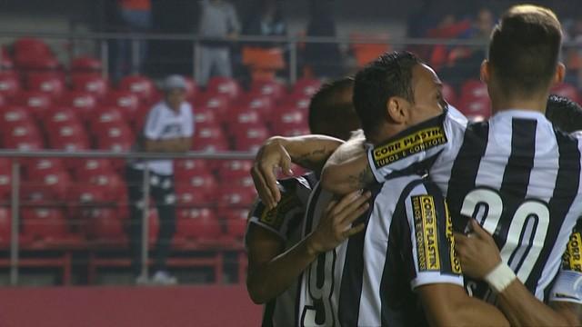 Ricardo Oliveira fez os dois do Peixe, (Foto: Reprodução)
