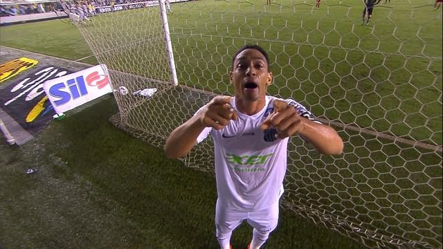 Ricardo Oliveira comemora o primeiro sobre o São Paulo. (Foto: Reprodução)