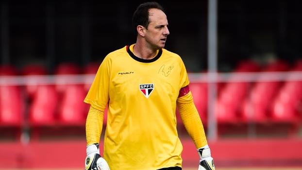 Rogério Ceni completou 24 anos de profissionalismo nesta tarde de vitória no Morumbi. (Foto: Gazeta Press).