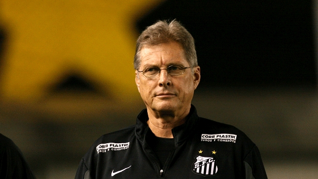 Treinador do Santos Osvaldo de Oliveira doi demitido nesta terça-feira. (Foto: Gazeta Press)