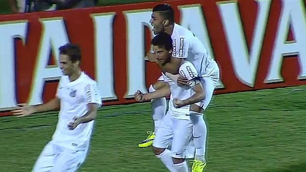 Elano comemora gol com Gabriel e Lucas Lima. (Foto: Reprodução)