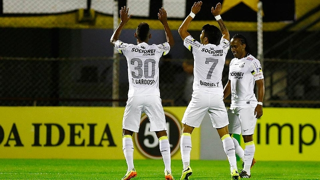 Diego Cardoso comemora gol com Gabriel. (Foto: Gazeta Press)