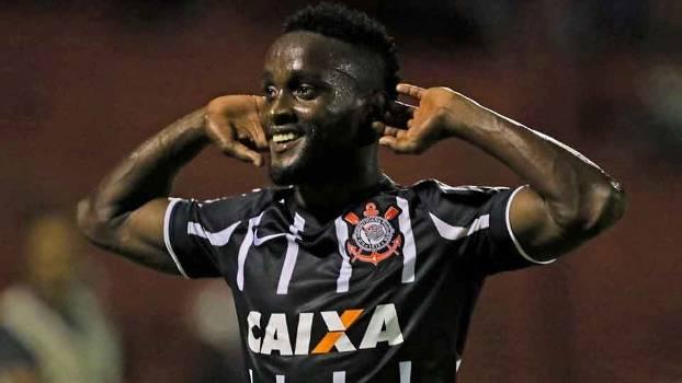 Mendoza fez o seu primeiro gol com a camisa do Timão. (Foto: Gazeta Press)