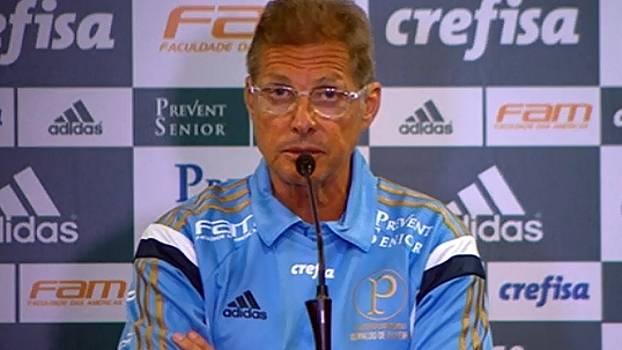Oswaldo de Oliveira assume culpa pelo resultado negativo e vê cargo em perigo. (Foto: Gazeta Press)