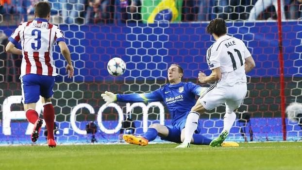 Oblak faz defesa espetacular no chute de Bale. (Foto: Getty Images)
