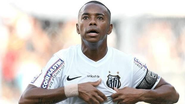 Robinho abriu o placar na fácil vitória do Peixe. (Foto: Gazeta Press)