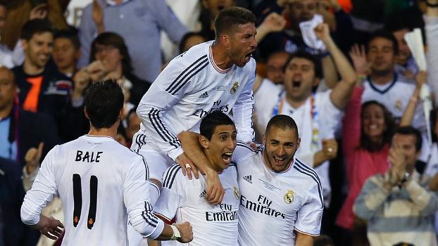 Di María e Bale: sem Cristiano Ronaldo, os dois assumiram a responsabilidade de marcar os gols e comandar o Real. Foto: Reuters)