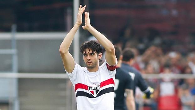 Kaká se despede do Morumbi, após boa contribuição a equipe ao longo de 2014. (Foto: Getty).