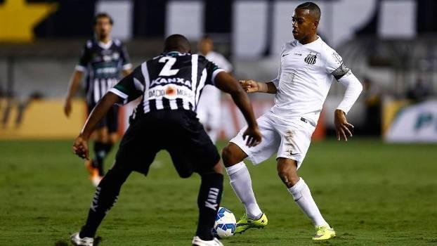Robinho pouco apareceu na partida, assim como o restante da equipe santista. (Foto: Gazeta Press)