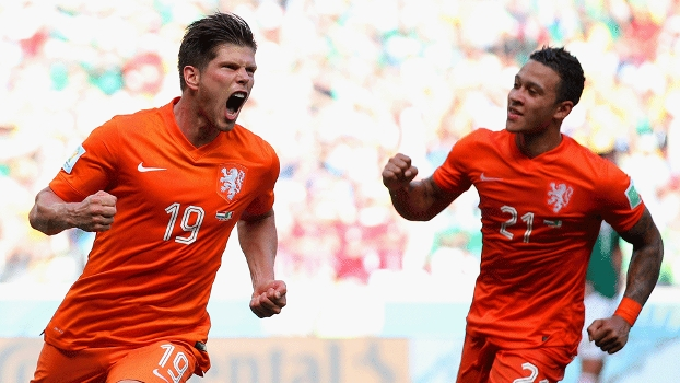 Huntellar entrou no segundo tempo no lugar de Van Persie e fez o gol da classificação holandesa. (Foto: Getty)