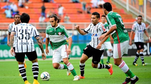 Valdivia jogou com dores na Costas, mas se portou bem na partida. (Foto: Gazeta Press).