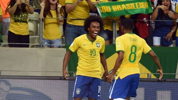 Willian comemora gol relâmpago diante da Venezuela. (Foto: Gazeta Press)
