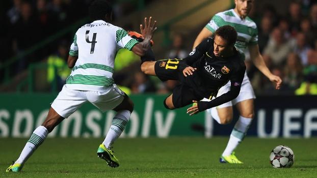 Neymar foi caçado pelos jogadores escoceses. (Foto: Getty)
