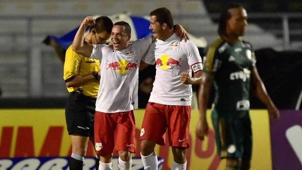 Lulinha comemora gol diante do Palmeiras. (Foto: Gazeta Press)
