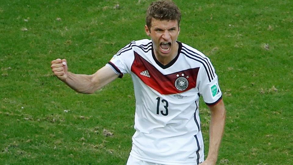 Müller comemora gol de penalti. (Foto: Getty)