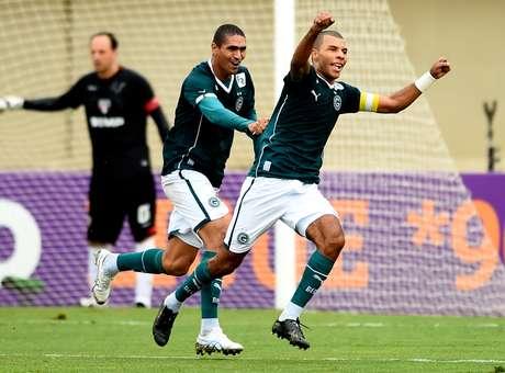 Amaral comemora o seu gol. Foto: Buda Mendes / Getty Imagens