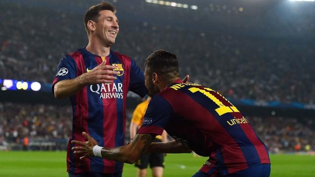 Messi comemora gol de Neymar. (Foto: Reuters)