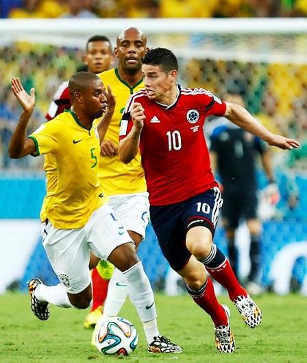 Bem marcado, James Rodriguez pouco produziu na partida. (Foto: Getty Images)