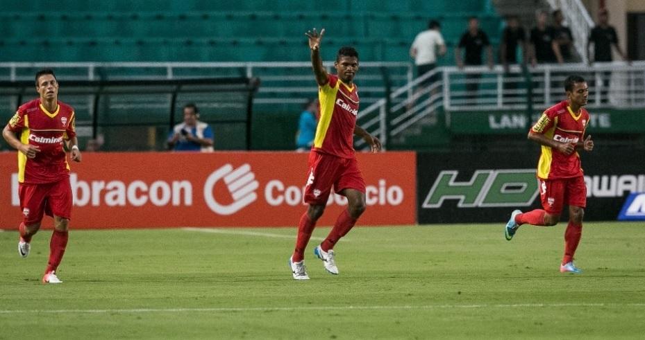 Caion comemora gol sobre o Santos. O time de Osasco dominou praticamente o jogo inteiro