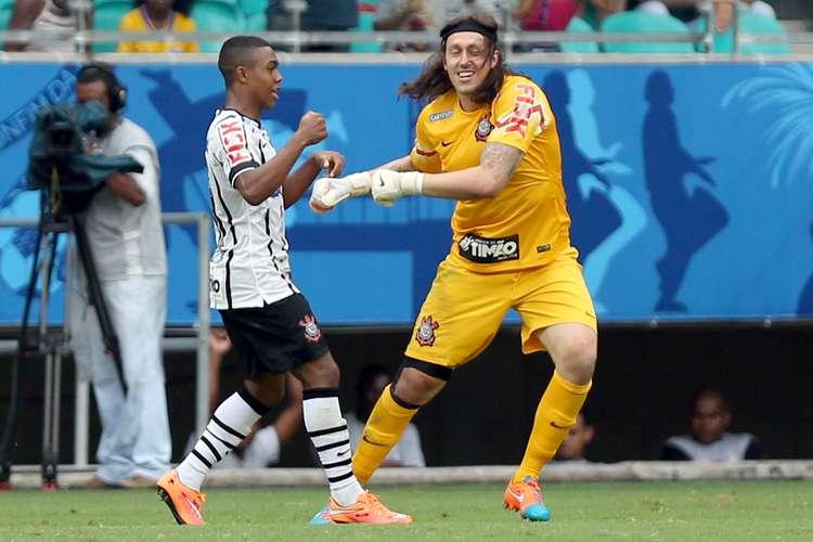 Malcom o Cássio comemoram primeiro gol do timão. Foto: Felipe Oliveira / Getty Images