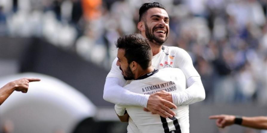 Os caras da partida! Corinthians vence a Ponte em casa. (Foto: Alan Morici/FRAMEPHOTO)