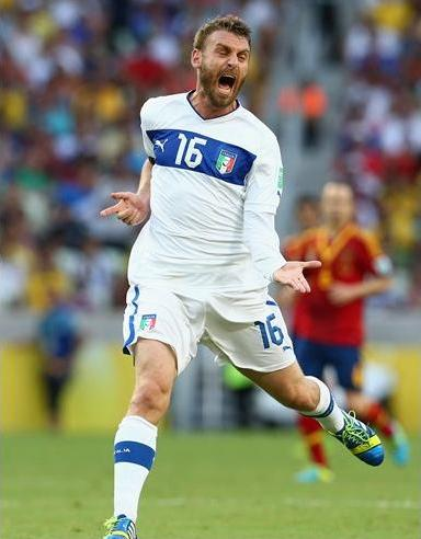 De Rossi atuou como terceiro zagueiro a partir do segundo tempo. Foto: Getty Imagens
