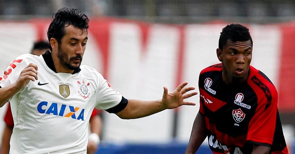 Duoglas particpou da jogada do gol alvinegro. Foto: Felipe Oliveira / AGIF