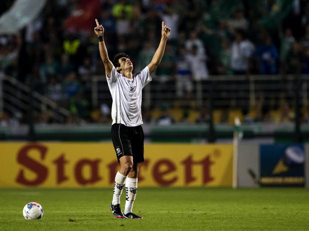 Dudu marcou o gol de honra do Bragantino no Pacaembu. Foto: Bruno Santos / Terra