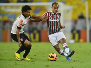 Felipe marcou, mas o gol foi corretamente anulado. Foto: Daniel Ramalho / Terra