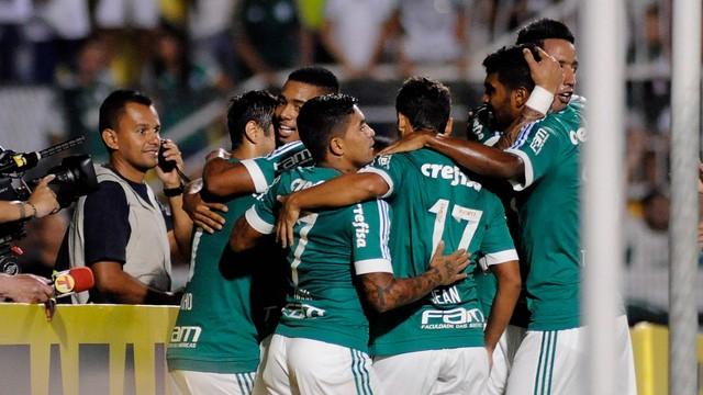 Palmeirenses comemoram o gol de Gabriel Jesus. Foto: Alan Morici / Estadao Conteudo