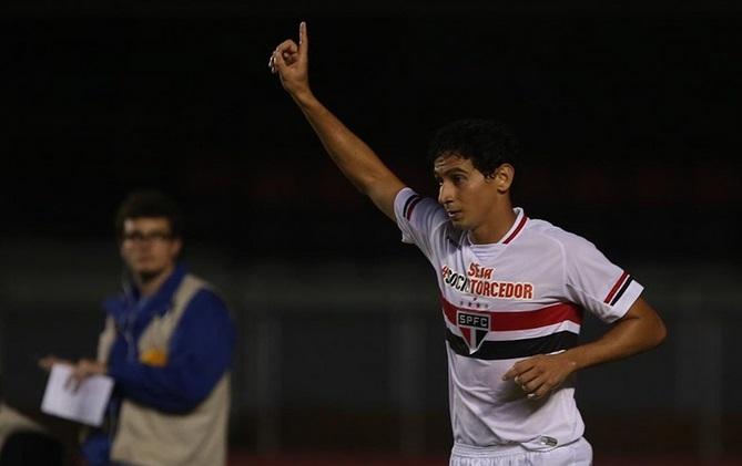 Ganso fez bela partida e foi premiado com o gol que sacramentou a vitória. (Foto: Rubens Chiri)