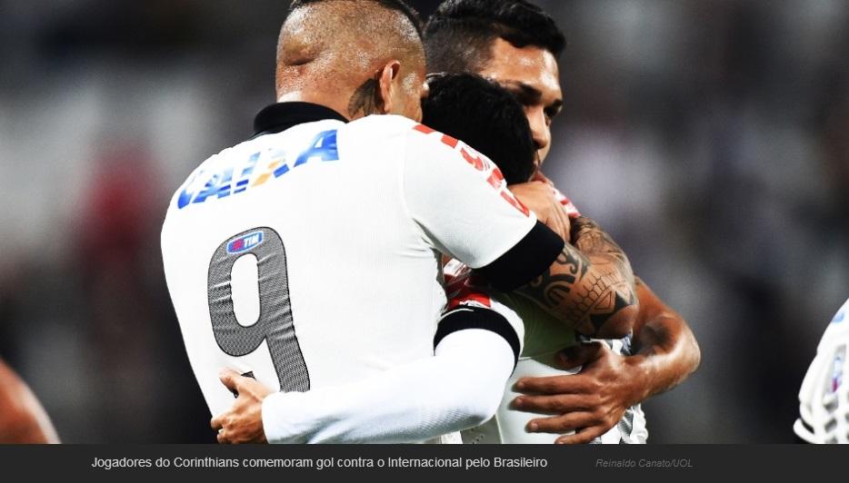 Guerreiro faz gol para Corinthians contra o Internacional.
