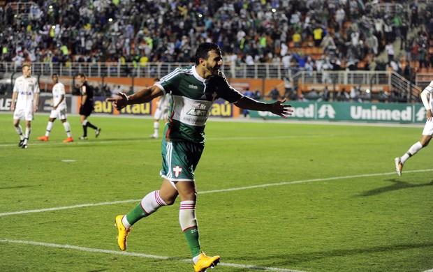 Artilheiro do Brasileirão, Henrique foi o destaque do jogo. Foto:  Marcos Ribolli