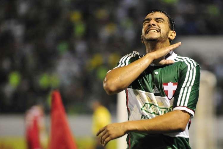 Matador, Henrique comemora sexto gol pel Palmeiras. Foto: Helio Suenaga / Gazeta Press