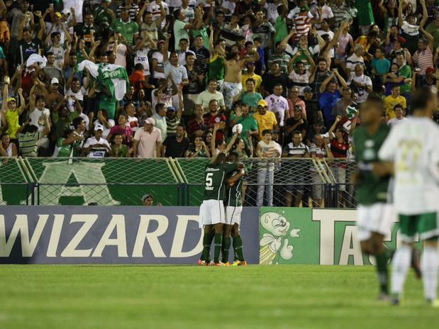 Jogadores do Icasa comemoram o gol da vitória. Foto: Futura Press.