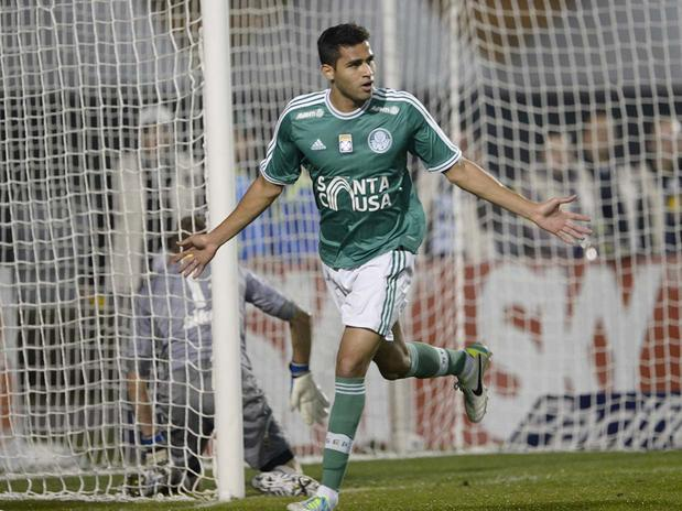 Alan Kardec entrou no segundo tempo e marcou dois gols na goleada. Foto: Ricardo Matsukawa / Terra