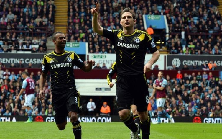 Lampard comemora o segundo gol da partida contra o Aston Villa