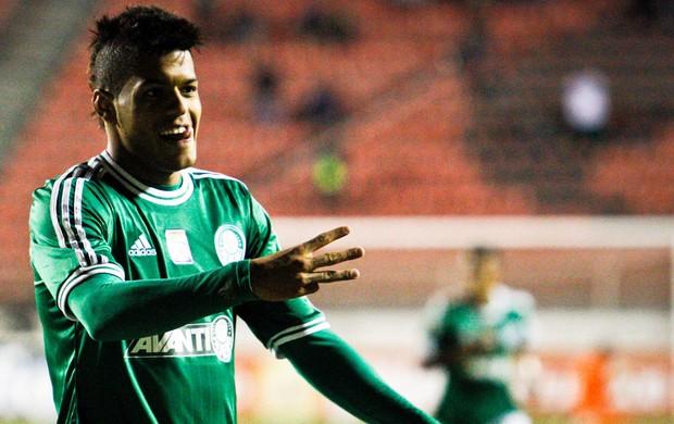 Leandro voltou a marcar e ajudou o Palmeiras a conquistar a terceira vitória na Série B. Foto: Ale Vianna / AE