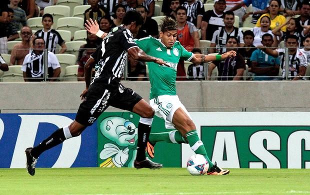 Leandro marcou um, mas desperdiçou muitas chances no Castelão. Foto: Jarbas Oliveira / AE