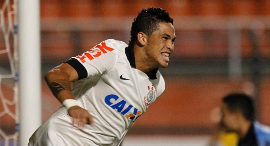 Luciano faz dois gols e Corinthians vence a terceira seguida no paulista. (Foto: Reinaldo Canato/UOL)